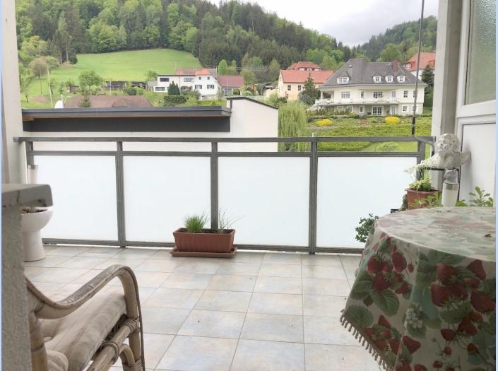 Sonnige Wohnung mit großzügiger Loggia und Fernblick 8184 Anger